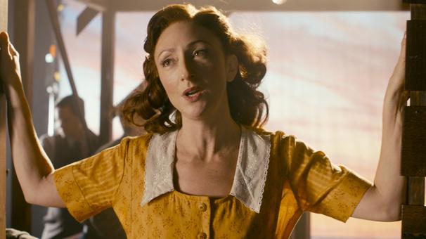 See Carmen Cusack 'Shine Again' in Steve Martin & Edie Brickell's Dazzling Bright Star