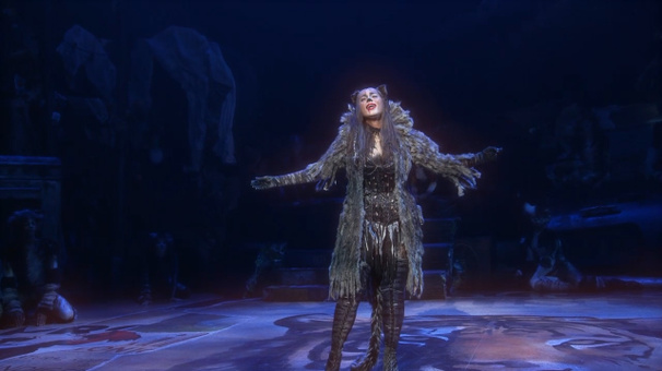 Leona Lewis Belts, Jellicles Have a Ball & Furry Friends Fly: Cats' Memory Lives Again