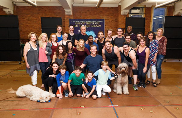 They own the night! Congrats to the cast and creative of Finding Neverland's national tour, which kicks off on October 11!