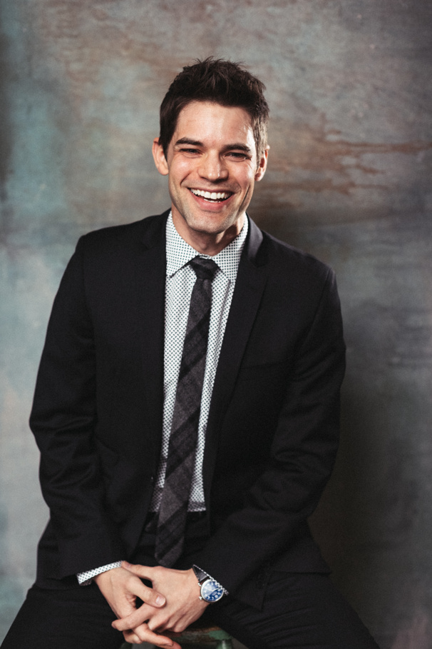 Jeremy Jordan to Play 1970s Record Exec Neil Bogart in Biopic Spinning Gold