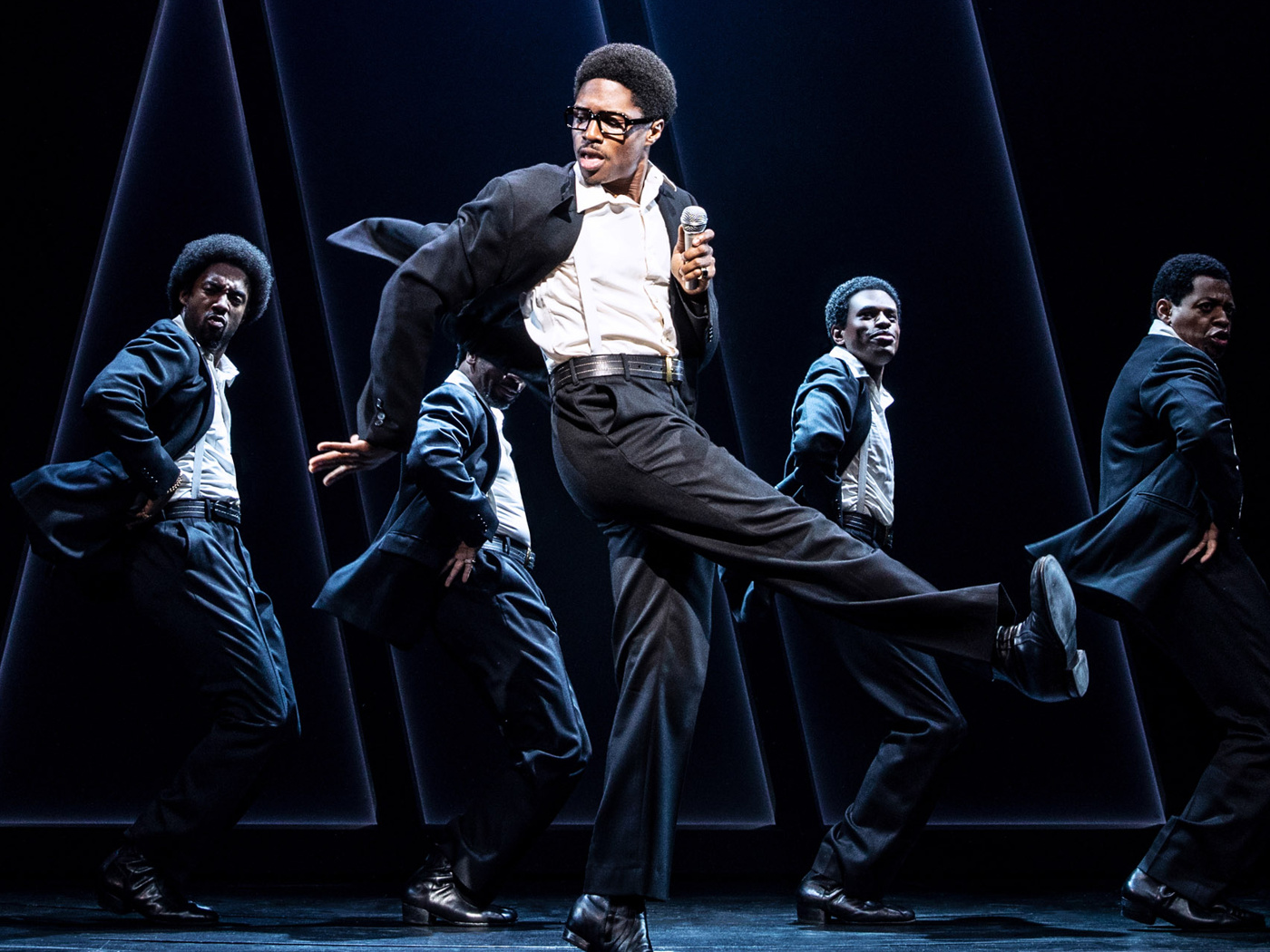 Ain't Too Proud Tony Nominee Ephraim Sykes on David Ruffin Being His 'Alter-Ego' & Living on a Prayer and Coconut Water | Broadway Buzz | Broadway.com