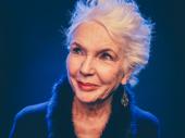 Fionnula Flanagan portrays Aunt Maggie Faraway.