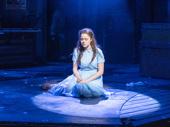 Molly Gordon as Alice in Alice by Heart.
