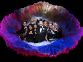 Paulo Szot as Billy Flynn and the cast of Chicago.