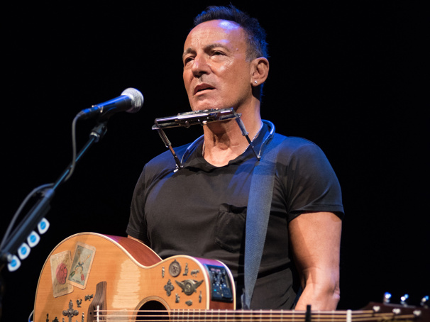 Tony Winner Bruce Springsteen's Broadway Hit Springsteen on Broadway to Arrive on Netflix
