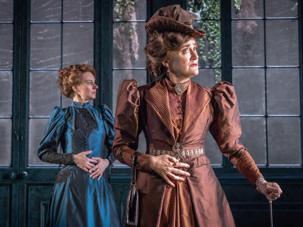 London Star Sophie Thompson on Tackling Lady Bracknell in The Importance of Being Earnest & Her Two Other Careers