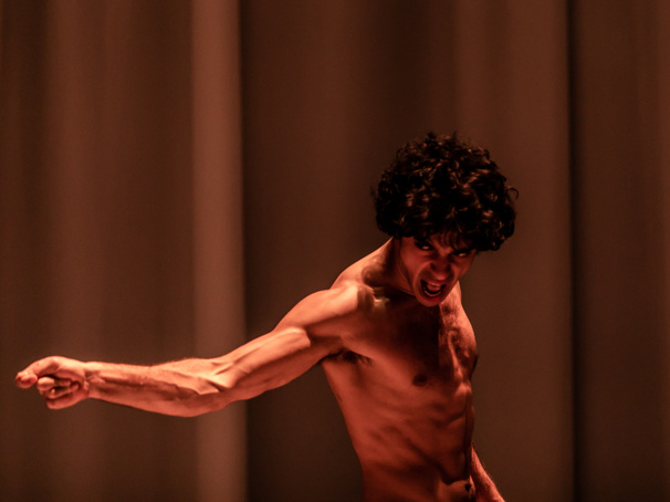 London Equus Star Ethan Kai on Getting Comfortable with Onstage Nudity, Raves from Ian McKellen & More