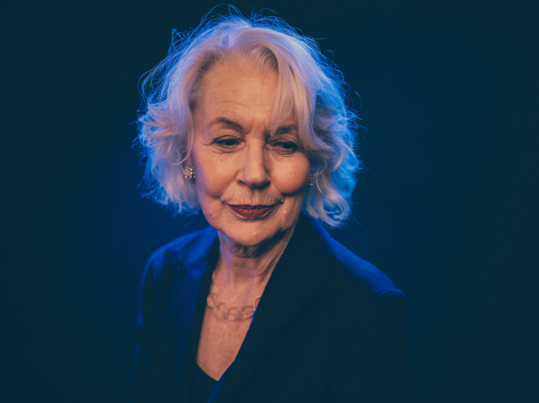 Dearbhla Molloy plays Aunt Patricia Carney.