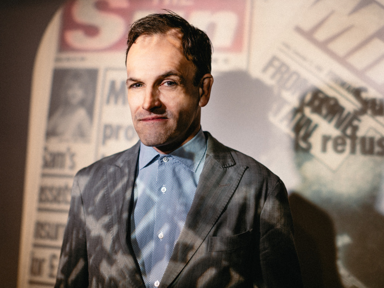 Jonny Lee Miller, Bertie Carvel and the Cast of Ink Hit the Front Page with Opening Night Portraits