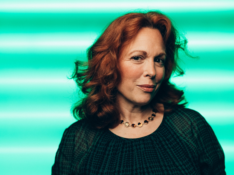 Hello, Dolly! Tour Star Carolee Carmello Wants You To Come See the Show Dressed as Dolly