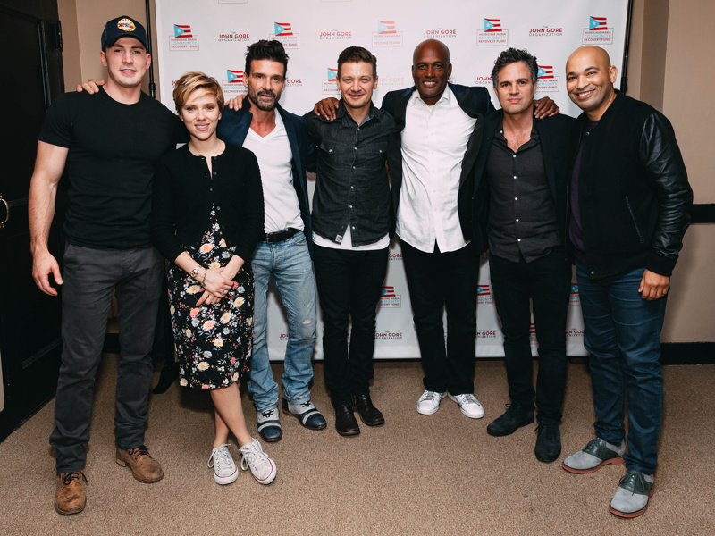 Photo 6 Of 6 See Photos Of Scarlett Johansson Chris Evans More Stars At The Our Town Benefit Reading At Atlanta S Fox Theatre Broadway Com