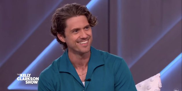 Watch Moulin Rouge Star Aaron Tveit 'Audition' for The Voice Judge Kelly Clarkson