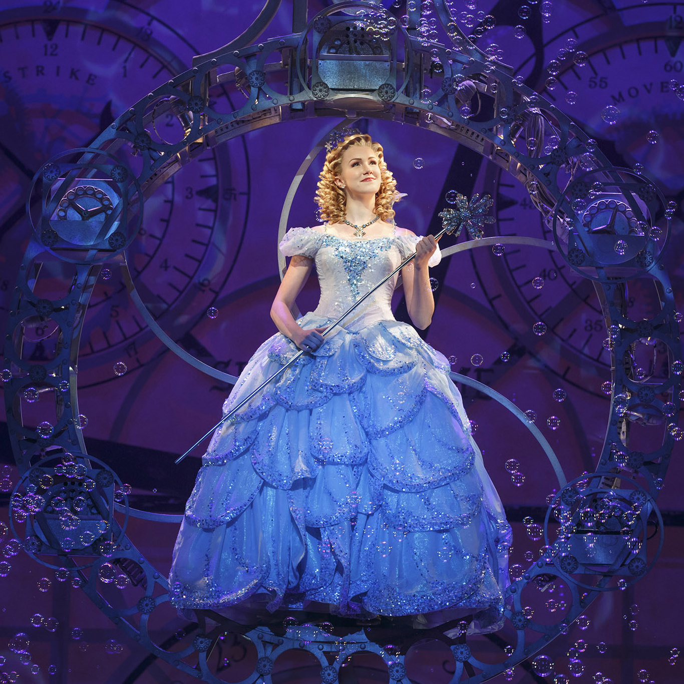 Wicked's Ginna Claire Mason on Her Nashville Roots, Putting on Shows in Her Living Room & More   Broadway Buzz   Broadway.com
