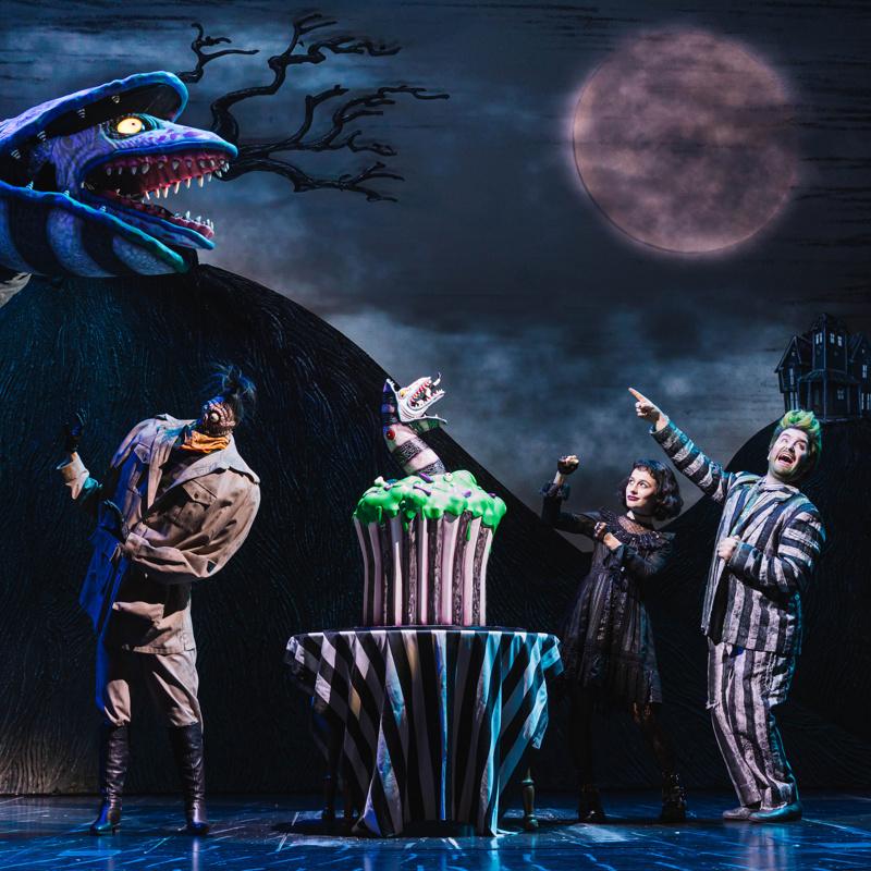 It S Showtime Beetlejuice Celebrates 100 Scary Good Performances On Broadway Broadway Buzz Broadway Com