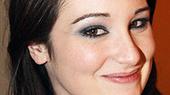 Rent Romance-Phobe Emma Hunton Wants Fro-Yo, Not Flowers, on Valentine's Day