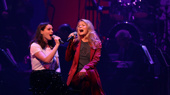 """Anne Hathaway and Kelli O'Hara tackle Judy Garland and Barbra Streisand's iconic duet """"Get Happy/Happy Days Are Here Again.""""(Photo: Justin Sullivan/Getty Images)"""