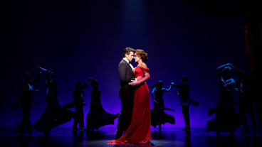 Andy Karl as Edward Lewis and Samantha Barks as Vivian Ward in Pretty Woman: The Musical.