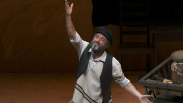 Tradition! Watch Clips from Off-Broadway's Acclaimed Yiddish Production of Fiddler on the Roof