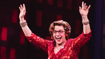 Quick curtain call costume change! Tootsie star Santino Fontana switches into his Dorothy Michaels garb.