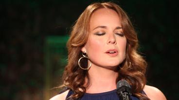 """Melissa Errico Sings Stephen Sondheim's """"Children Will Listen"""" from Her Feinstein's/54 Below Act"""