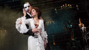 James Barbour as The Phantom and Ali Ewoldt at Christine in The Phantom of the Opera.