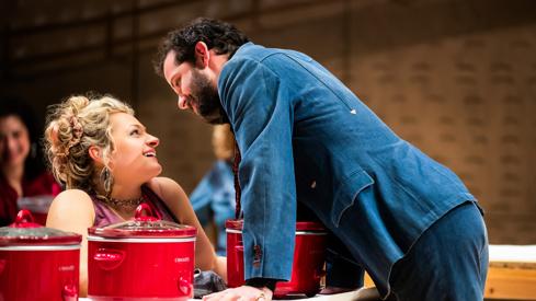 Oklahoma ! est une comédie musicale américaine créée à Broadway en 1943.