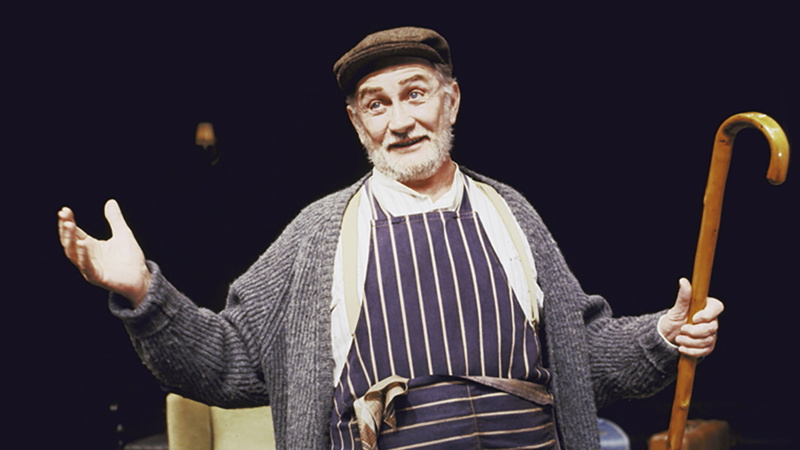 Roy Dotrice Celebrated Tony Winner Of A Moon For The Misbegotten Dies At 94 Broadway Buzz Broadway Com
